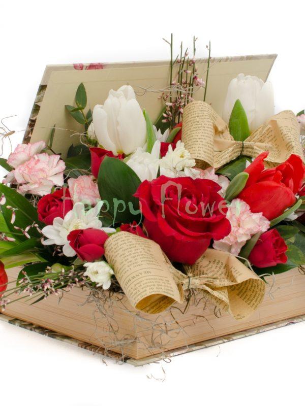 Carte cu lalele albe si rosii, trandafiri, garofite, genista, fundite ziar