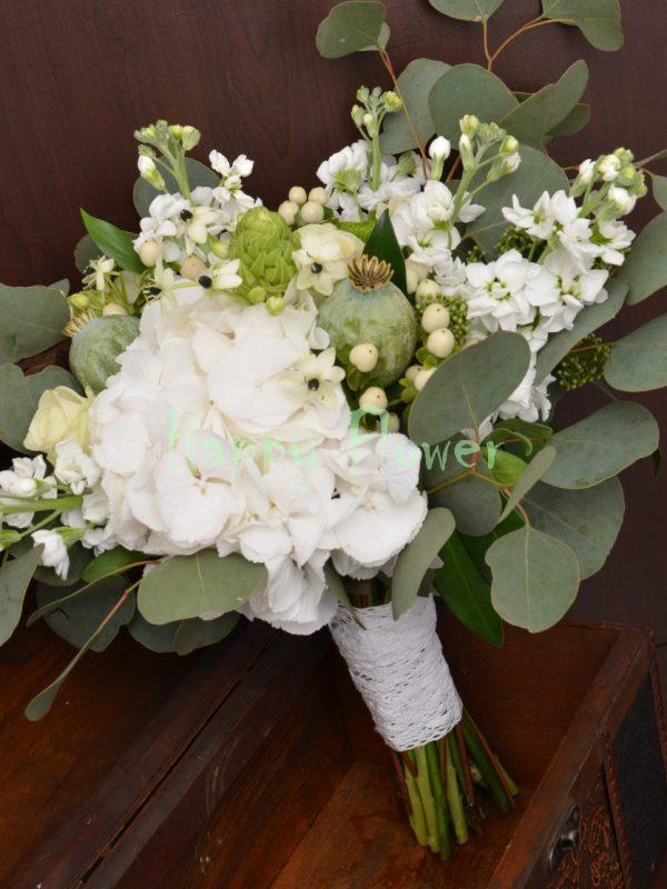 Buchet mireasa Bothanical cu eucalipt, hortensie, mathiola, papaver, ornitogalum