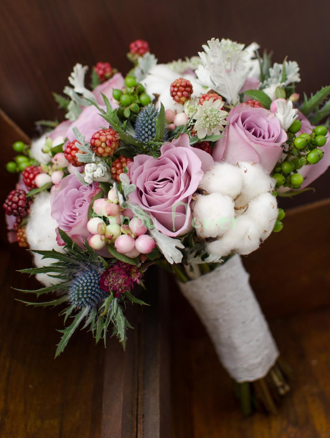Buchet Mireasa Cu Bumbac Si Mure Trandafiri Lila Eryngium Happy