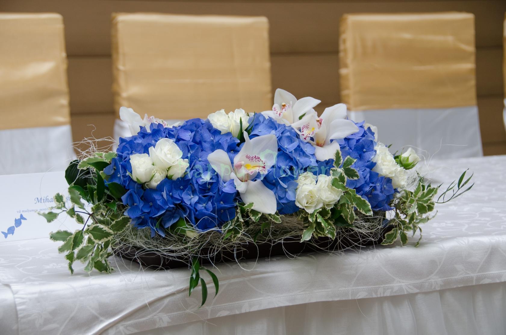 Aranjament De Prezidiu Din Hortensii Albastre Orhidee Cymbidium