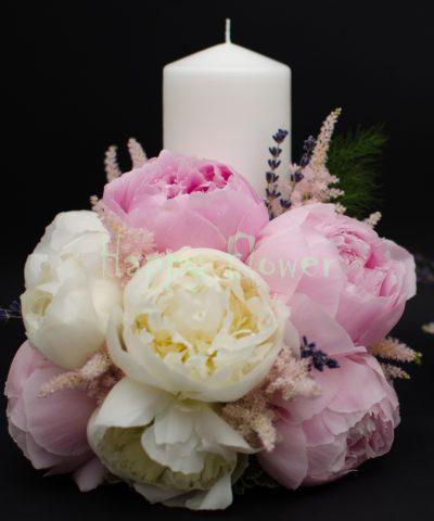 Lumanare scurta bujori albi si bujori roz pal, astilbe, levantica