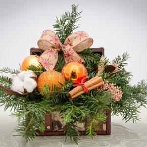 aranjament-in-cufar-lemn-de-craciun-portocaliu