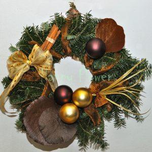 coronita-de-craciun-globuri-ciocolatii