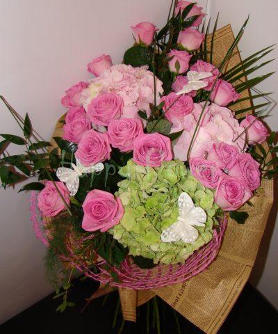 buchet-mare-trandafiri-roz-si-hortensii-roz-hortensie-verde