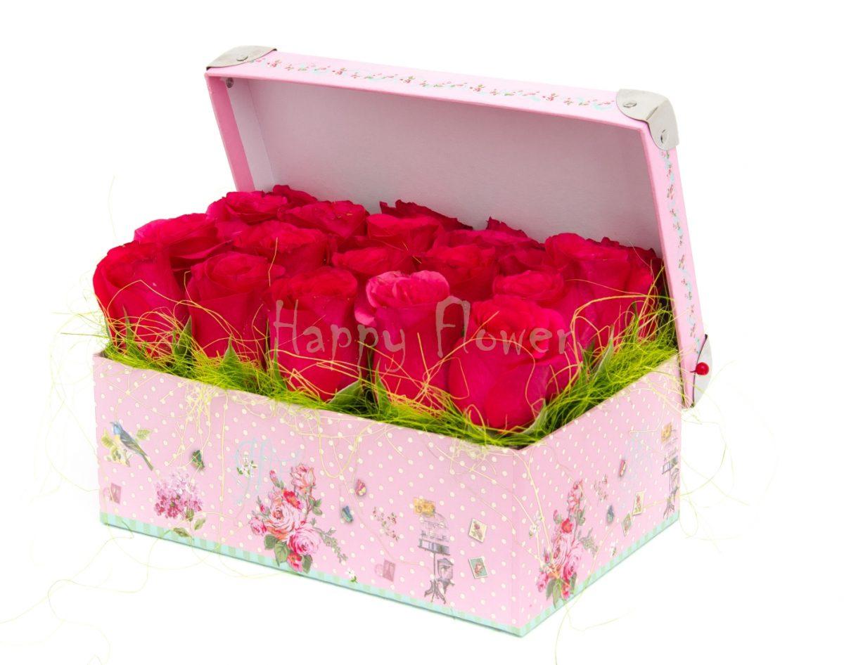 cutie cu trandafiri fuchsia