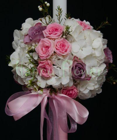 lumanare-botez-sfera-hortensii-albe-trandafiri-mov-miniroze-roz