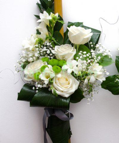 Lumanari nunta ceara naturala trandafiri si frezii albe