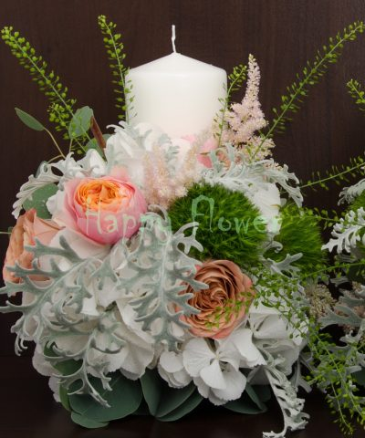 Lumanari scurte hortensii albe si trandafiri capuccino, trandafiri vuvuzela