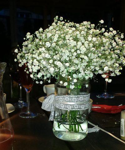Aranjament de masa borcan floarea miresei