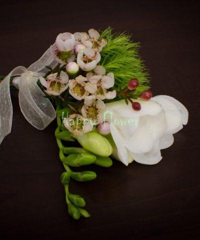 Cocarda nunta frezie alba, waxflower