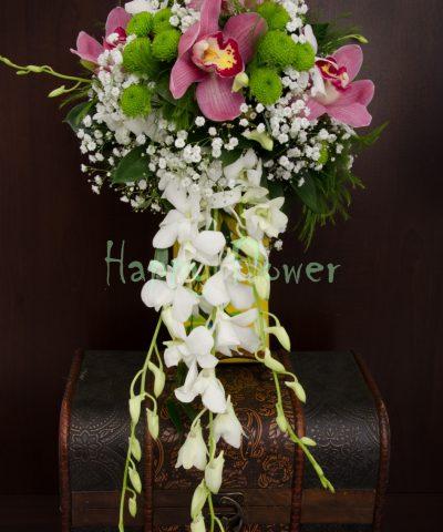 Buchet mireasa gurgator orhidee cymbidium roz, orhidee dendrobium alba, floarea miresei
