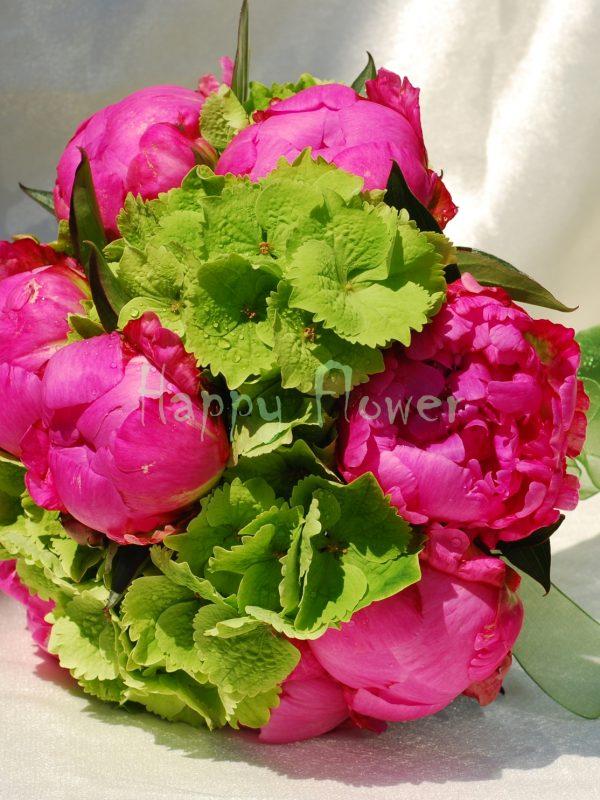 Buchet mireasa sau nasa hortensii verzi si bujori roz