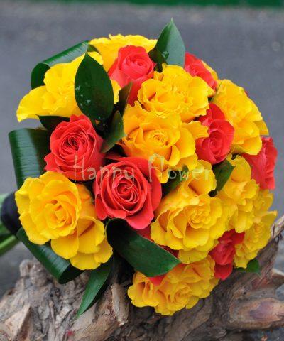 Buchet mireasa trandafiri galbeni si corai