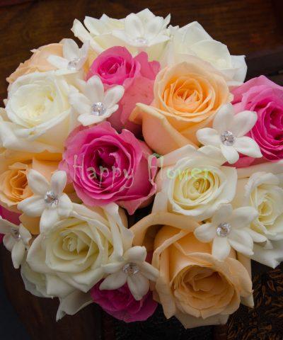 Buchet mireasa trandafiri pastel, trandafiri fuchsia si stephanotis