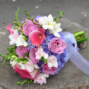 Buchet mireasa hortensii, cale, trandafiri si frezii