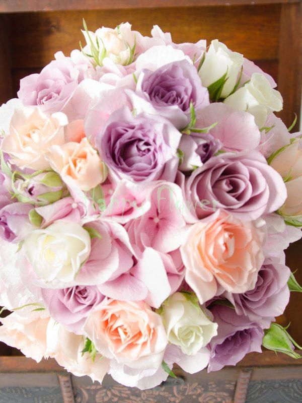Buchet mireasa pastel, hortensii roz pal, trandafiri mov, miniroze pastel