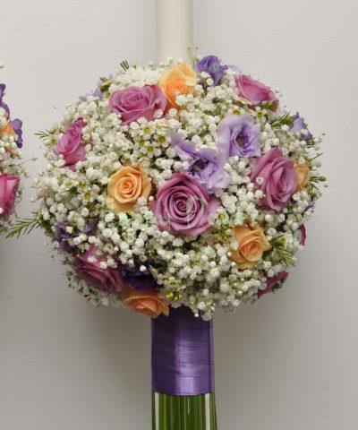Lumanari de nunta sferice, bila din floarea miresei si trandafiri somon si lila, lisianthus