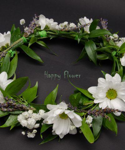 Coronita crizanteme albe, floarea miresei si levantica