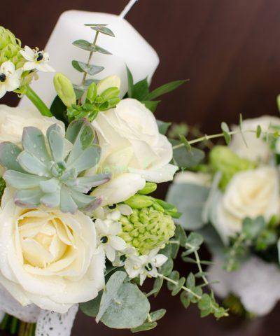 Lumanare scurta nunta cu plante suculente, ornitogalum, trandafiri, frezii
