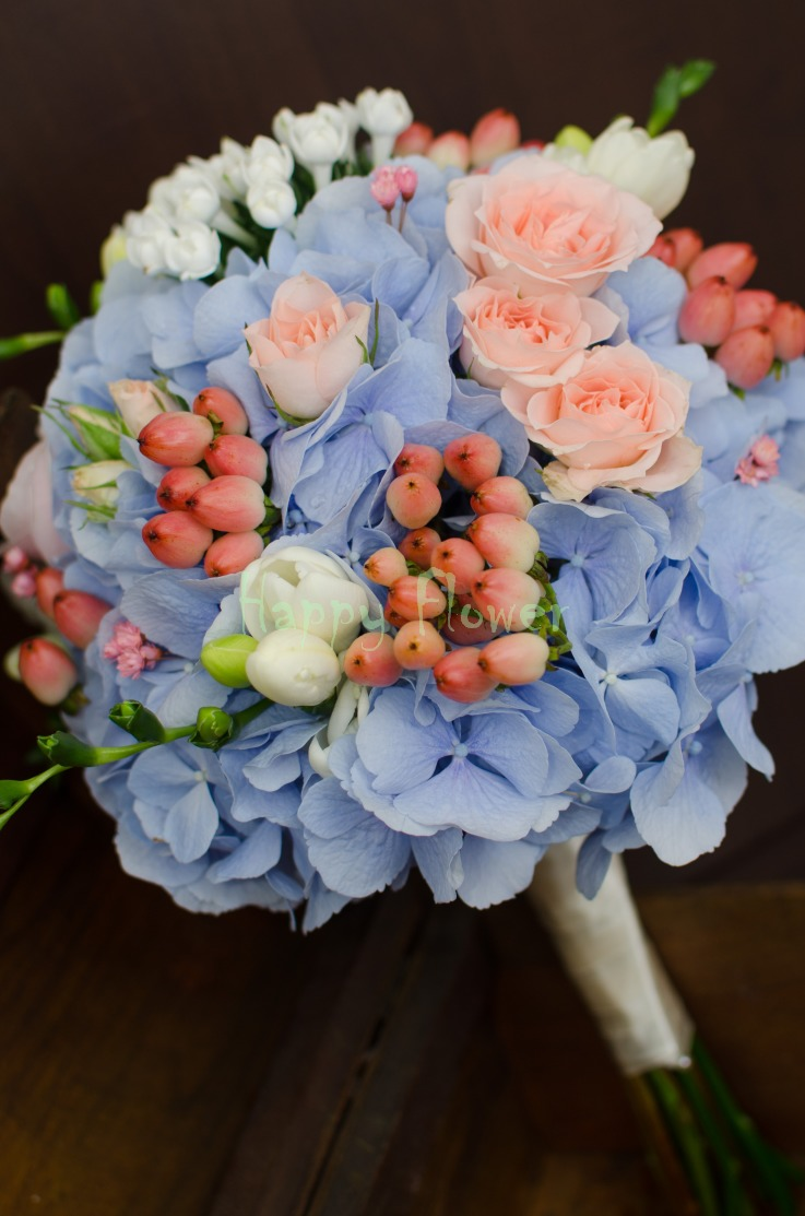 Buchet Mireasa Pastel Hortensii Bleu Miniroze Roz Pal Hypericum