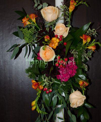 Lumanare cununie in culori tomnatice, hortensii, trandafiri, frezii, hypericum, eucalipt