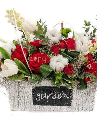 jardiniera-flori-primavara-lalele, zambile, trandafiri, bumbac