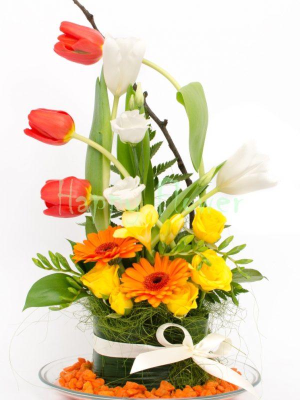 Aranjament-floral-colorat-primavara