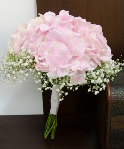 Buchet-cununie-hortensii-roz-pal-floarea-miresei