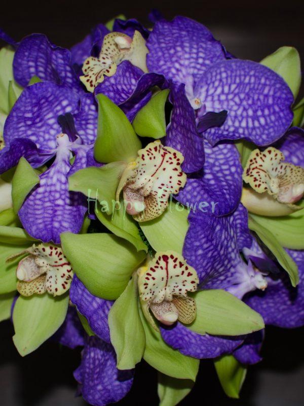 Buchet-mireasa-orhidee-vanda-mov-si-orhidee-cymbidium-verde