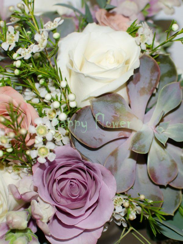 Buchet-mireasa-plante-suculente-trandafiri-cappuccino-trandafiri-mov-anthirrinum-waxflower-alb