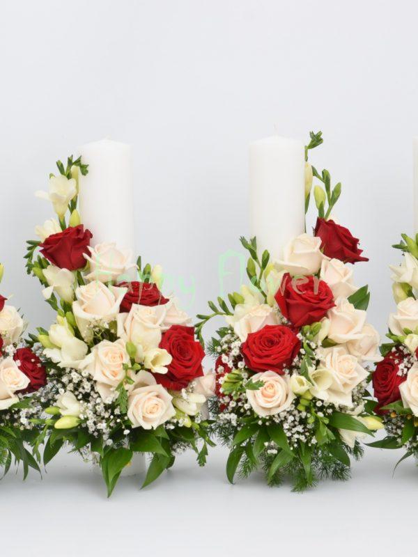 Lumanari-cununie-40cm-trandafiri-crem-trandafiri-rosii-frezii-albe