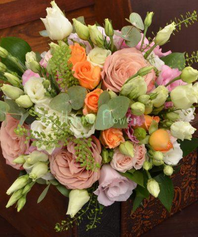 Buchet-mireasa-lisianthus-roz-miniroze-portocalii-trandafiri-cappuccino