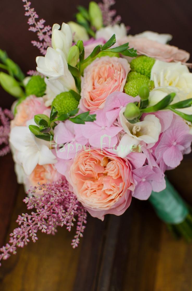 Buchet De Mireasă în Nuanțe Pastelate De Roz și Violet