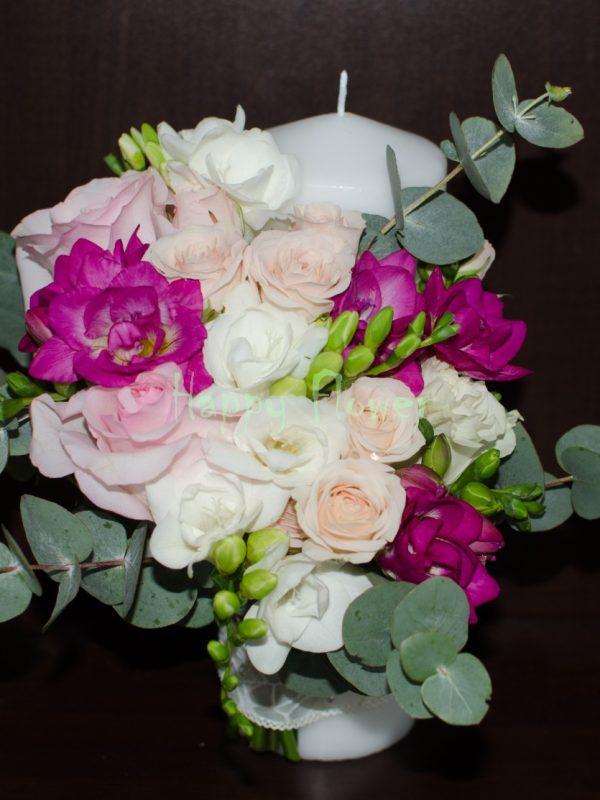 Lumanare-scurta-frezii-trandafiri