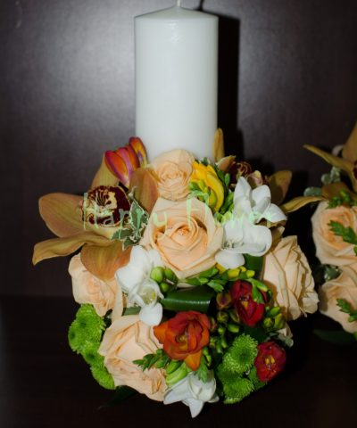 Lumanare-scurta-30cm-trandafiri-orhidee-frezii-toamna