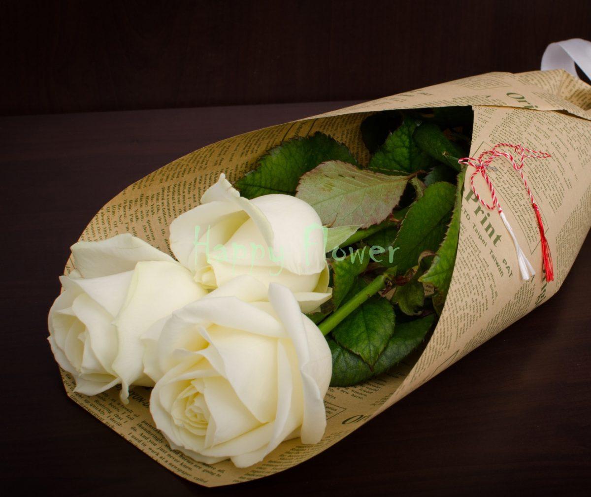 Buchet-3-trandafiri-albi