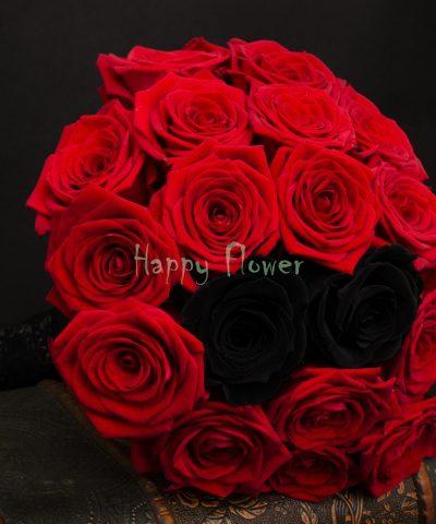 Buchet-mireasa-trandafiri-rosii-si-trandafiri-criogenati-negri