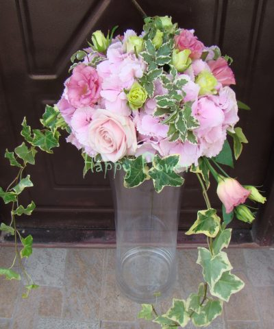 Aranjament-nunta-hortensii-roz-trandafiri-lisianthus