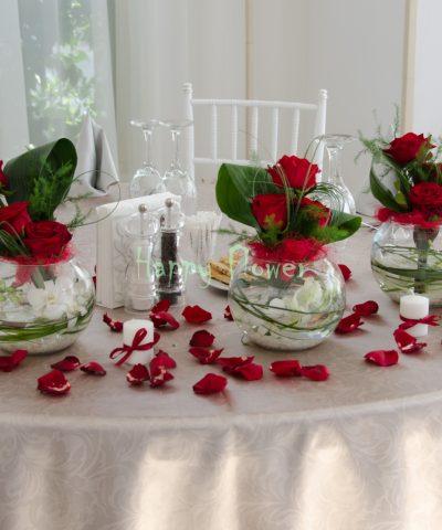 Aranjament-prezidiu-trandafiri-rosii