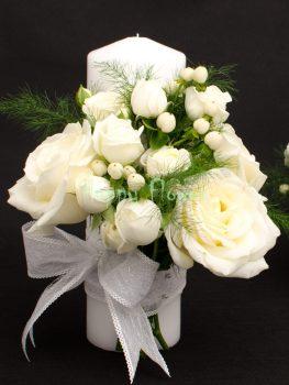 Lumanare-scurta-25 cm-trandafiri-albi-miniroze-hypericum-alb