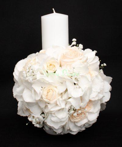 Lumanare-scurta-30-cm-hortensii-albe-trandafiri-crem-floarea-miresei