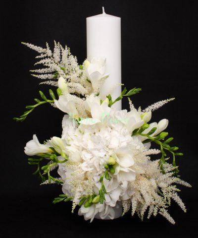Lumanare-cununie-40-cm-hortensii-albe-frezii-albe-astilbe-alba