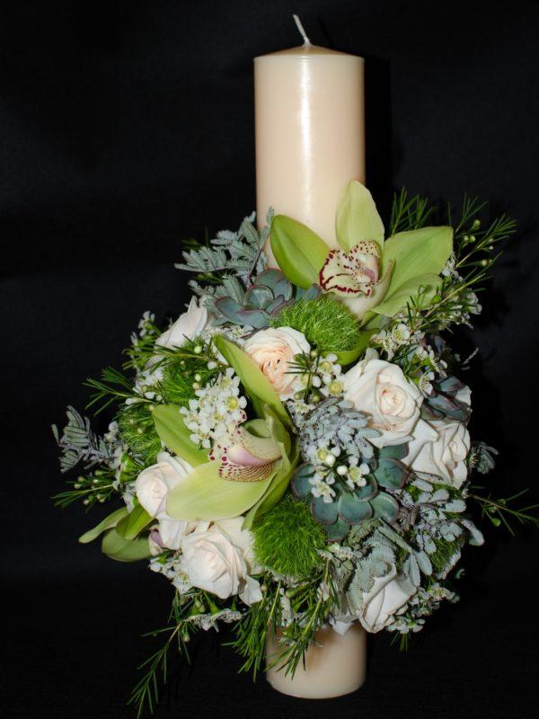 Lumanare-cununie-crem-40-cm-trandafiri-crem-orhidee-verde-cymbidium-plante-suculente