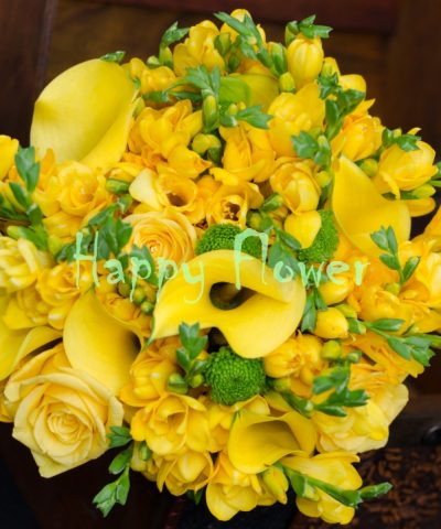 Buchet-mireasa-frezii-galbene-cale-galbene-trandafiri-galbeni