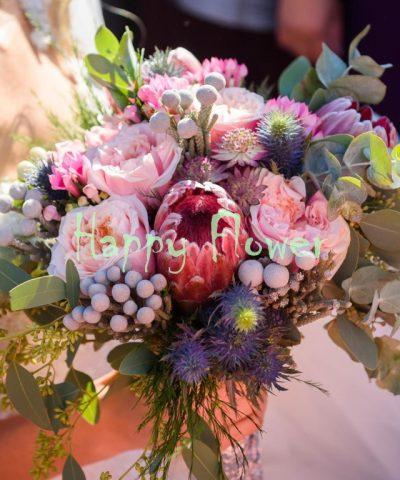 Buchet-mireasa-protea-garden-roses-eryngium-brunia-astrantia-bouvardia-eucalipt