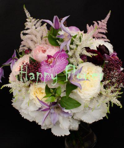 Buchet-mireasa-trandafiri-gradina-hortensii-orhidee-astilbe-skimmia