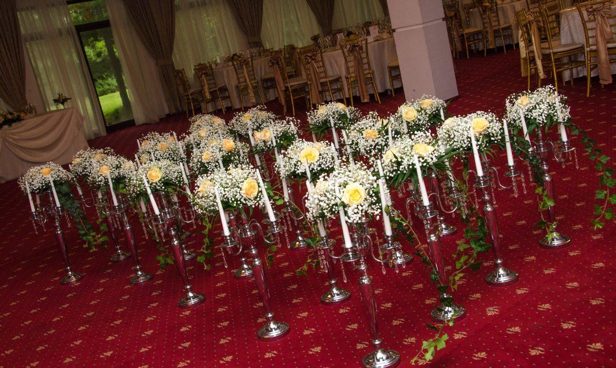 Aranjamente-nunta-sloarea-miresei-trandafiri