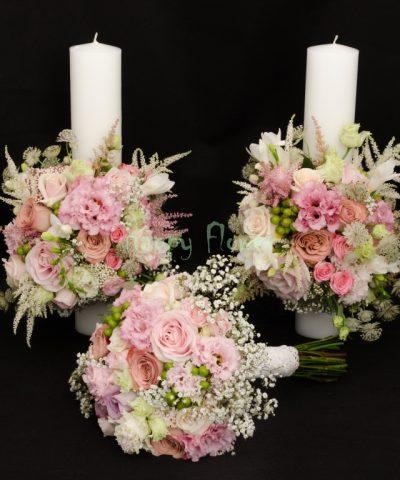 Lumanare 40 cm flori pastel, trandafiri, miniroze, lisianthus, astilbe, hypericum