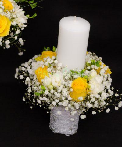 Lumanare cununie 30 cm trandafiri galbeni, frezii albe, floarea miresei