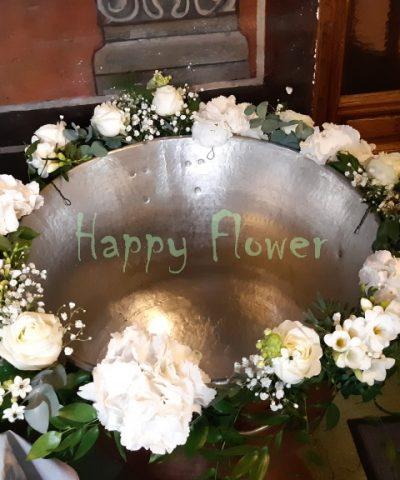 Aranjament-cristelnita-botez-hortensii-frezii-trandafiri